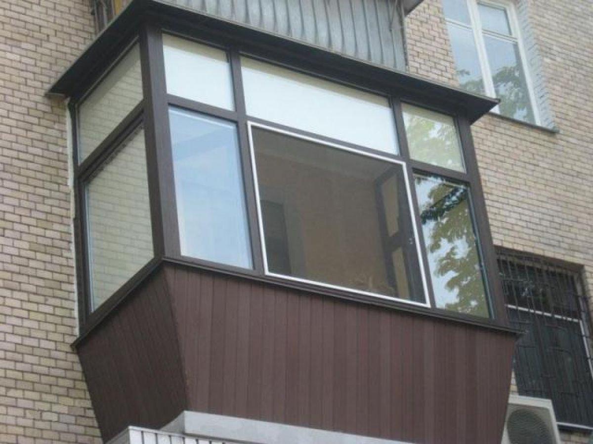 Остекление балконов и лоджий в мастерской окон.